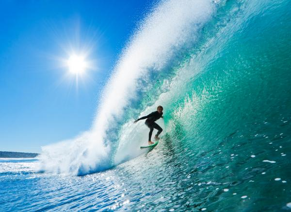 a surfer riding a wave_1