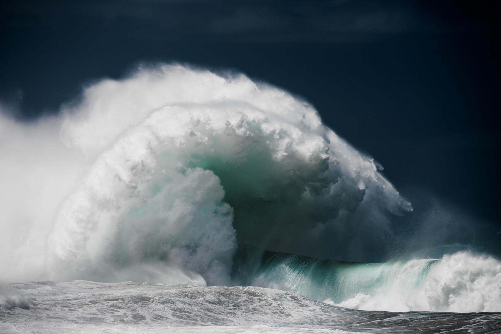 crashing_waves
